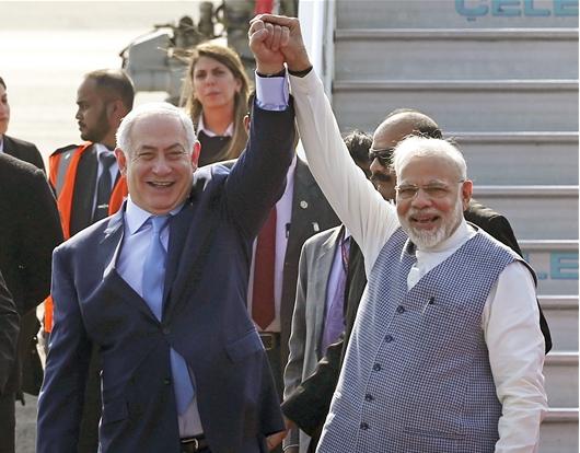 인도에 와서 인도 총리보다 더 흥겨운 이스라엘 총리