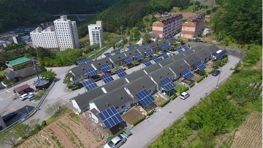 '블록체인' 에너지 시장 개방...'전기' 개인간 거래