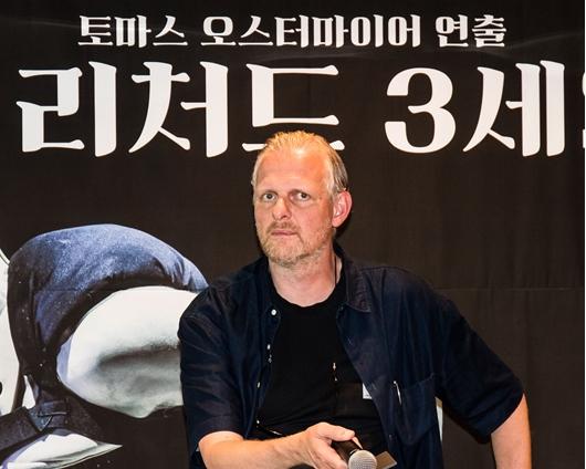 """오스터마이어 """"악의 화신 리처드 3세? 오락적 사악한 광대!"""""""
