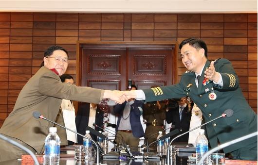 [종합]남북 장성급회담서 軍 통신선 복구 합의…공동보도문 채택