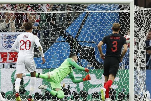 트리피어 '프리킥골' 잉글랜드 전반 크로아티아에 1-0 리드